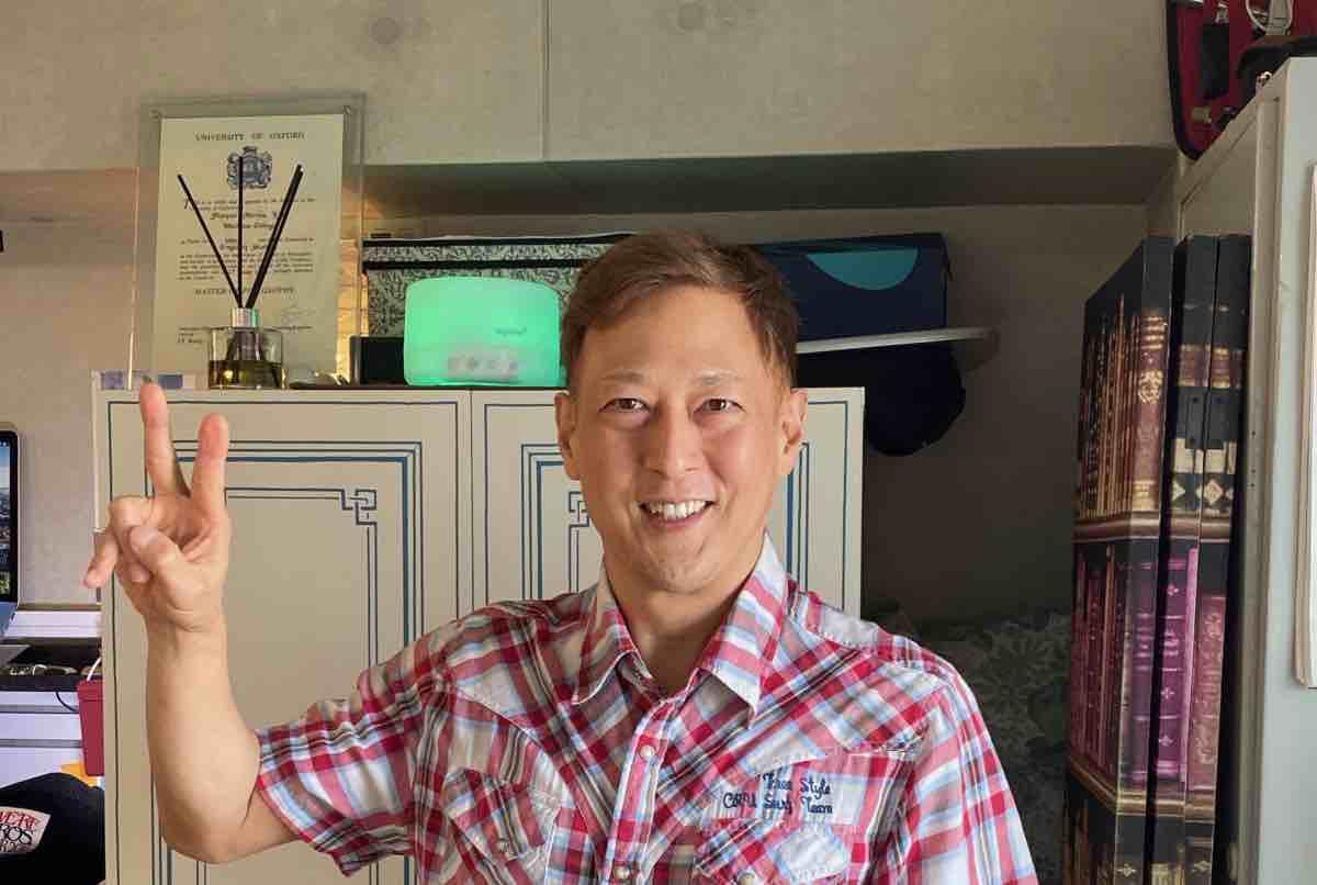 札幌英会話・英語教師 マイク・ニマ先生の写真。